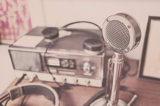 microphone-2627991__340
